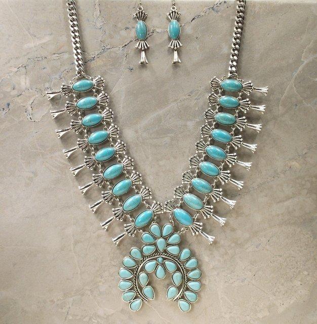 Stunn Huge Southwestern Squash Blossom Necklace
