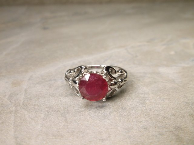 Gorgeous Sterling Genuine 1ct Ruby Ring 6