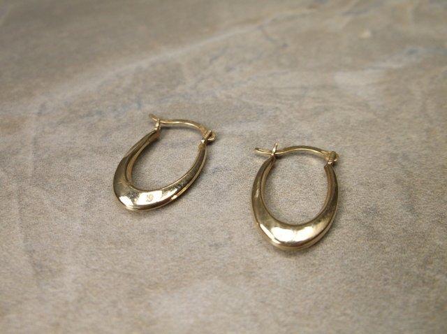 Gorgeous 10kt Gold Earrings
