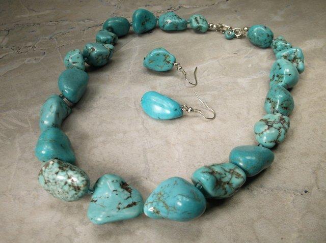 Gorgeous Southwestern Necklace Earrings Set