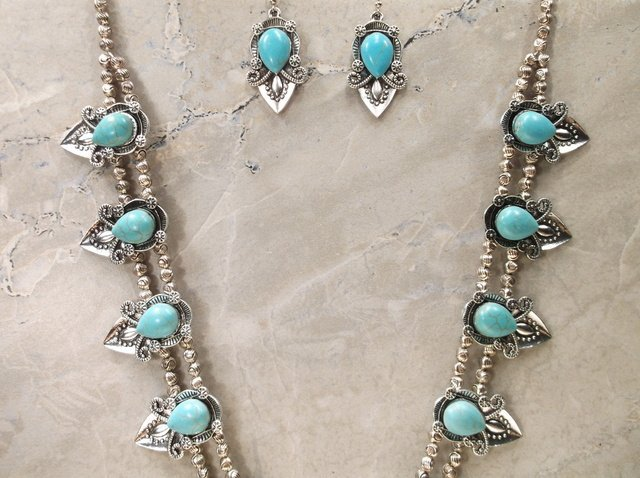 Stunning Huge Southwestern Necklace Earrings Set - 3