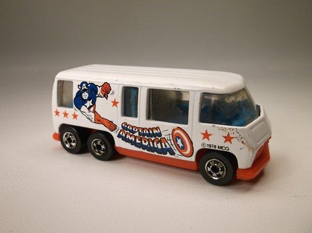 Vintage 1976 Hot Wheels Capt America Motor Home - 2