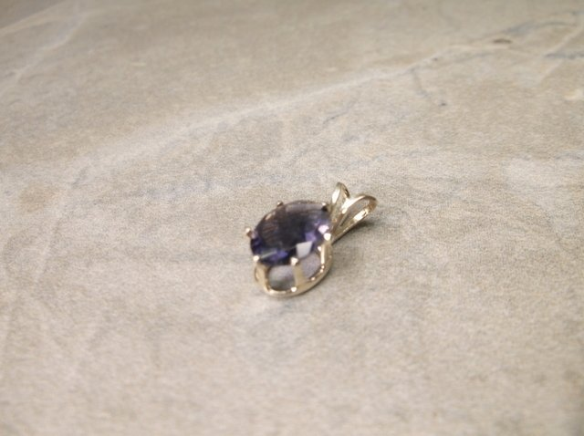 Gorgeous Sterling Gen 1ct Amethyst Pendant