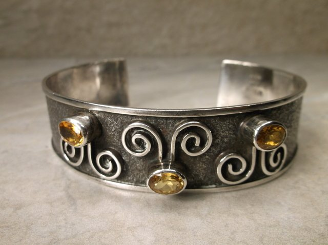Stunning Mcordor Sterling Peridot Cuff Bracelet