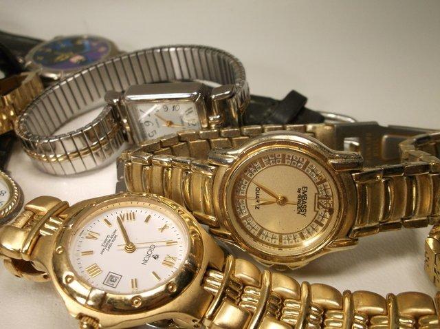 Huge Wristwatch Lot Gruen Citizen Seiko More - 3