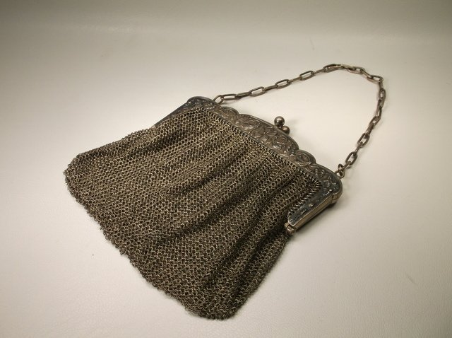 Gorgeous Antique Art Deco Flapper Girl Purse
