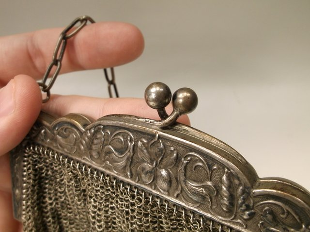 Gorgeous Antique Art Deco Flapper Girl Purse - 3