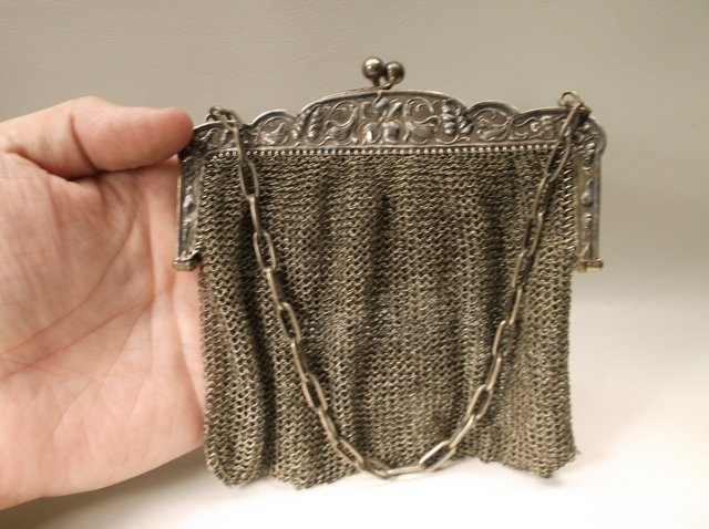 Gorgeous Antique Art Deco Flapper Girl Purse - 4