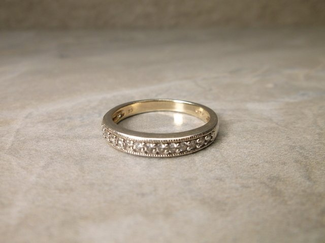 Gorgeous Sterling Silver CZ Ring 6.5