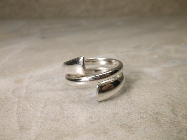 Gorgeous Sterling Silver Wrap Ring 7-8