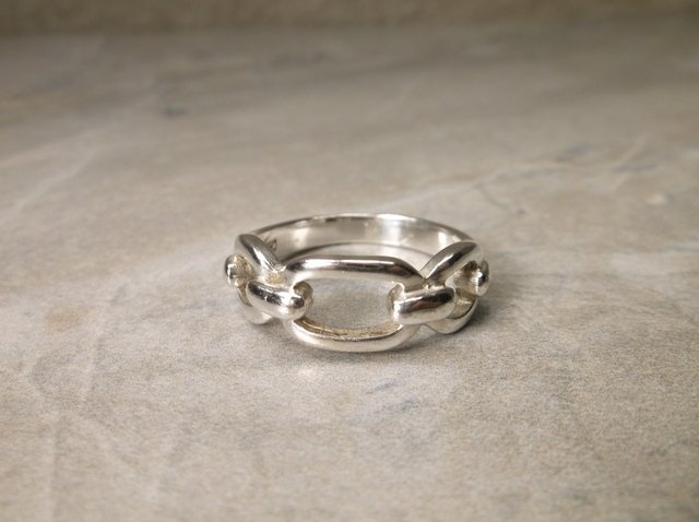 Gorgeous Heavy Sterling Silver Link Ring 7