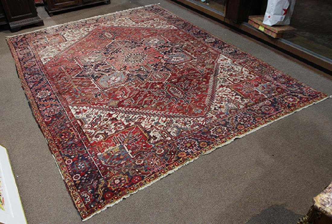 "Persian Heriz carpet, 9'10""l x 12'8''"