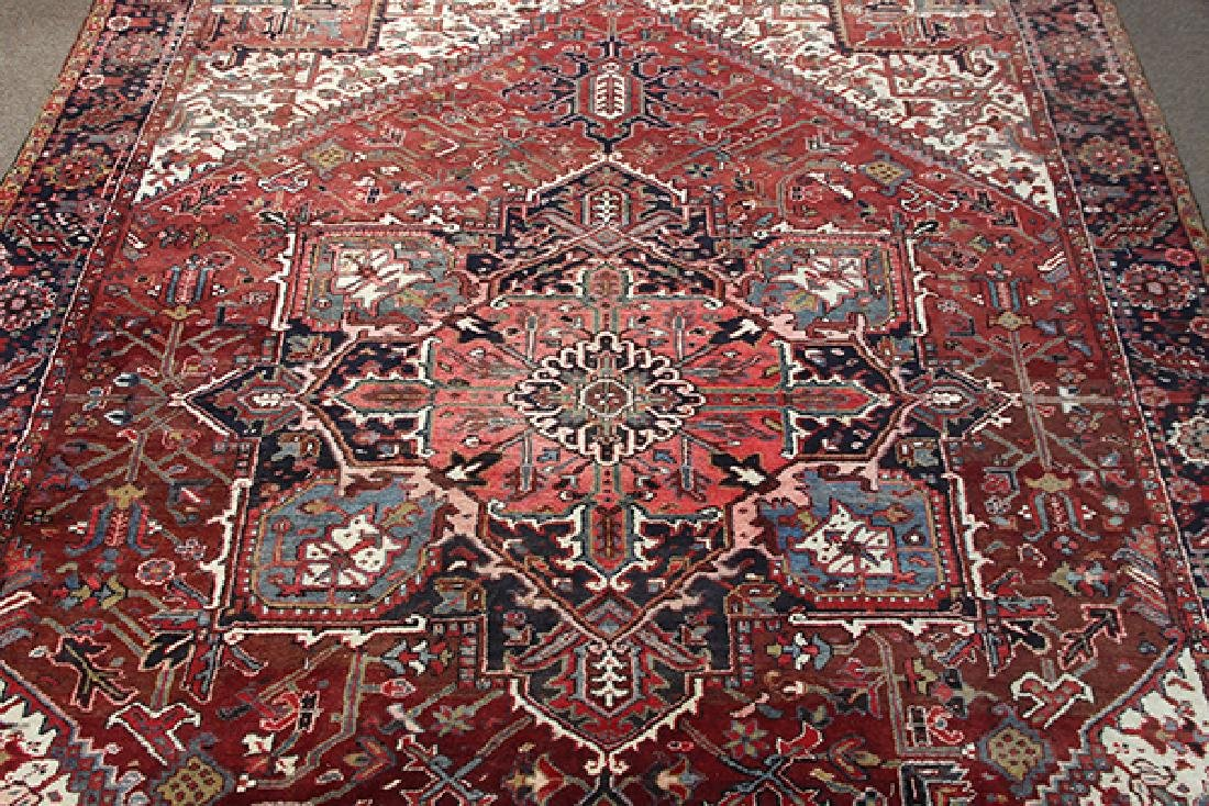 "Persian Heriz carpet, 9'10""l x 12'8'' - 2"