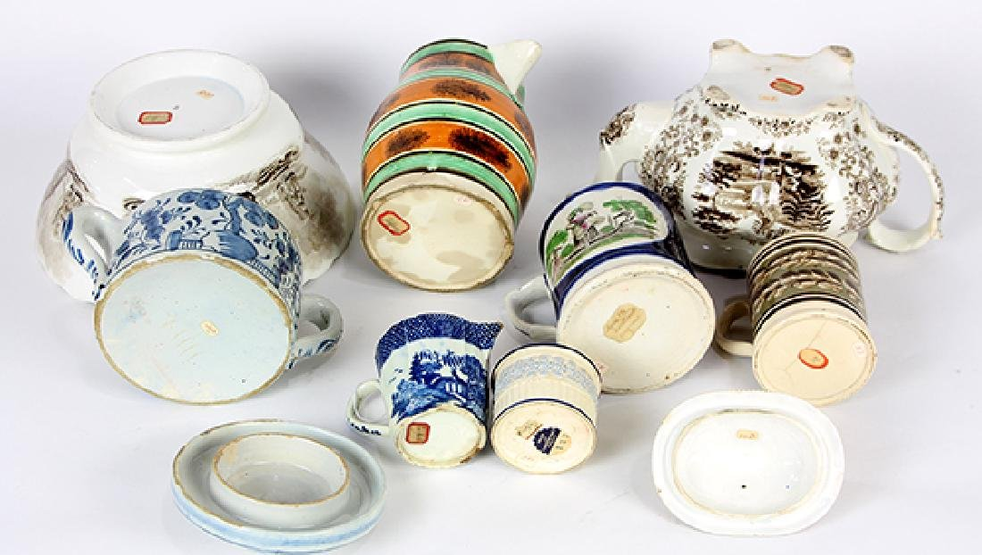 (lot of 8) Collection of tableware, including a frog - 3