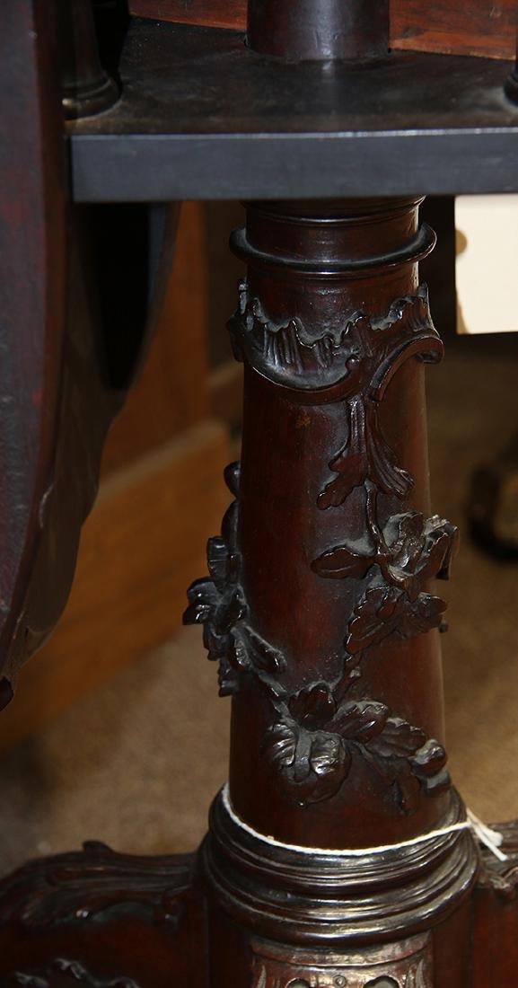 English mahogany tripod table, circa 1800, having a - 10