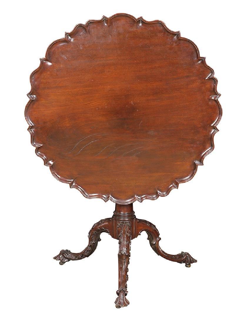 English mahogany tripod table, circa 1800, having a