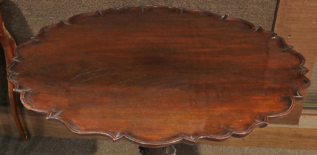English mahogany tripod table, circa 1800, having a - 4