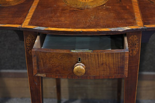 George III inlaid sycamore on mahogany pembroke table - 4