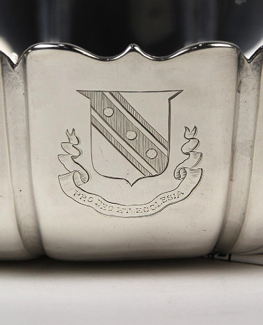 "English George I sterling silver ""Dublin"" pattern bowl, - 4"