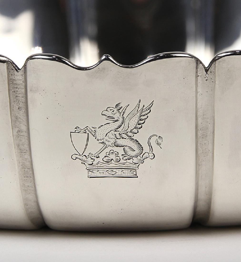 "English George I sterling silver ""Dublin"" pattern bowl, - 5"