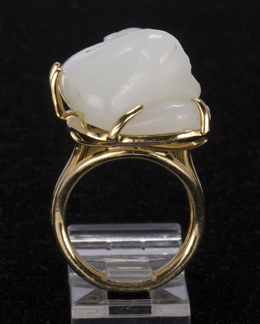 Gump's jadeite Foo dog, 18K yellow gold ring - 6