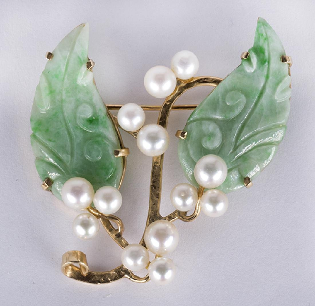 Jadeite, cultured pearl and 14k yellow gold brooch