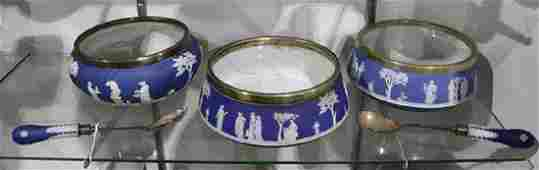 Lot of 5 Wedgwood porcelain table articles blue and
