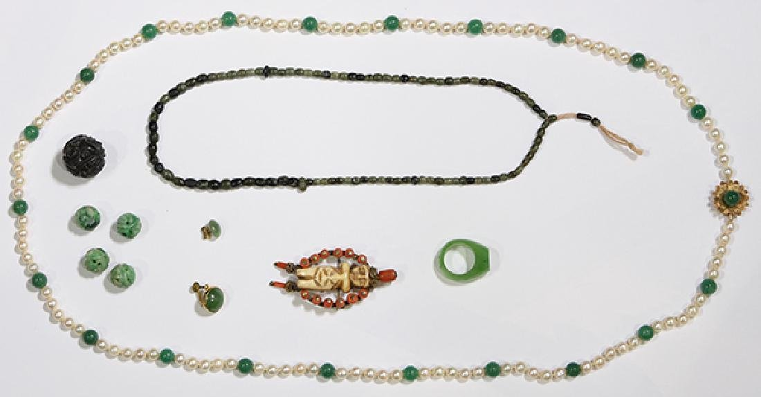 (Lot of 11) Jade, aventurine, cultured pearl, coral