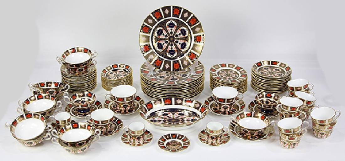 """(lot of 100)  Royal Crown Derby """"Old Imari"""" table"""