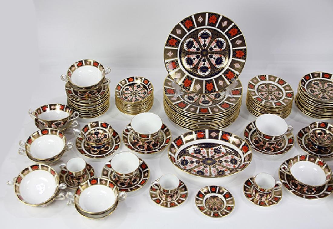 """(lot of 100)  Royal Crown Derby """"Old Imari"""" table - 2"""
