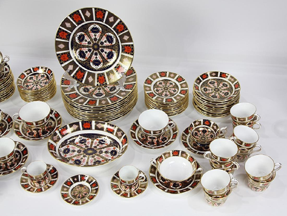 """(lot of 100)  Royal Crown Derby """"Old Imari"""" table - 3"""