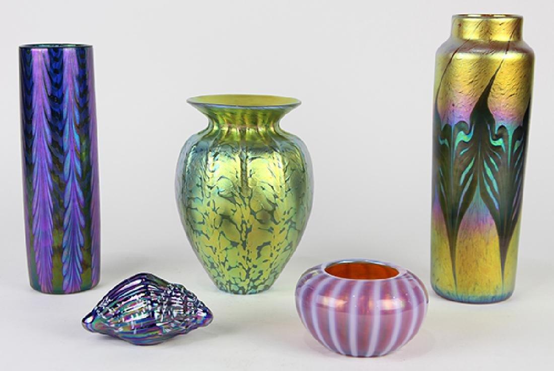 (lot of 5) Lundberg Studios vase group, each having an - 2
