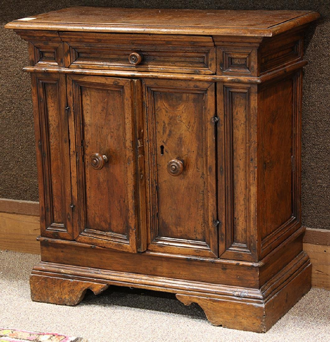 Italian walnut commodino circa 1730