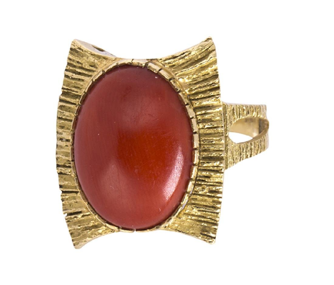 Coral and 18k yellow gold ring - 2