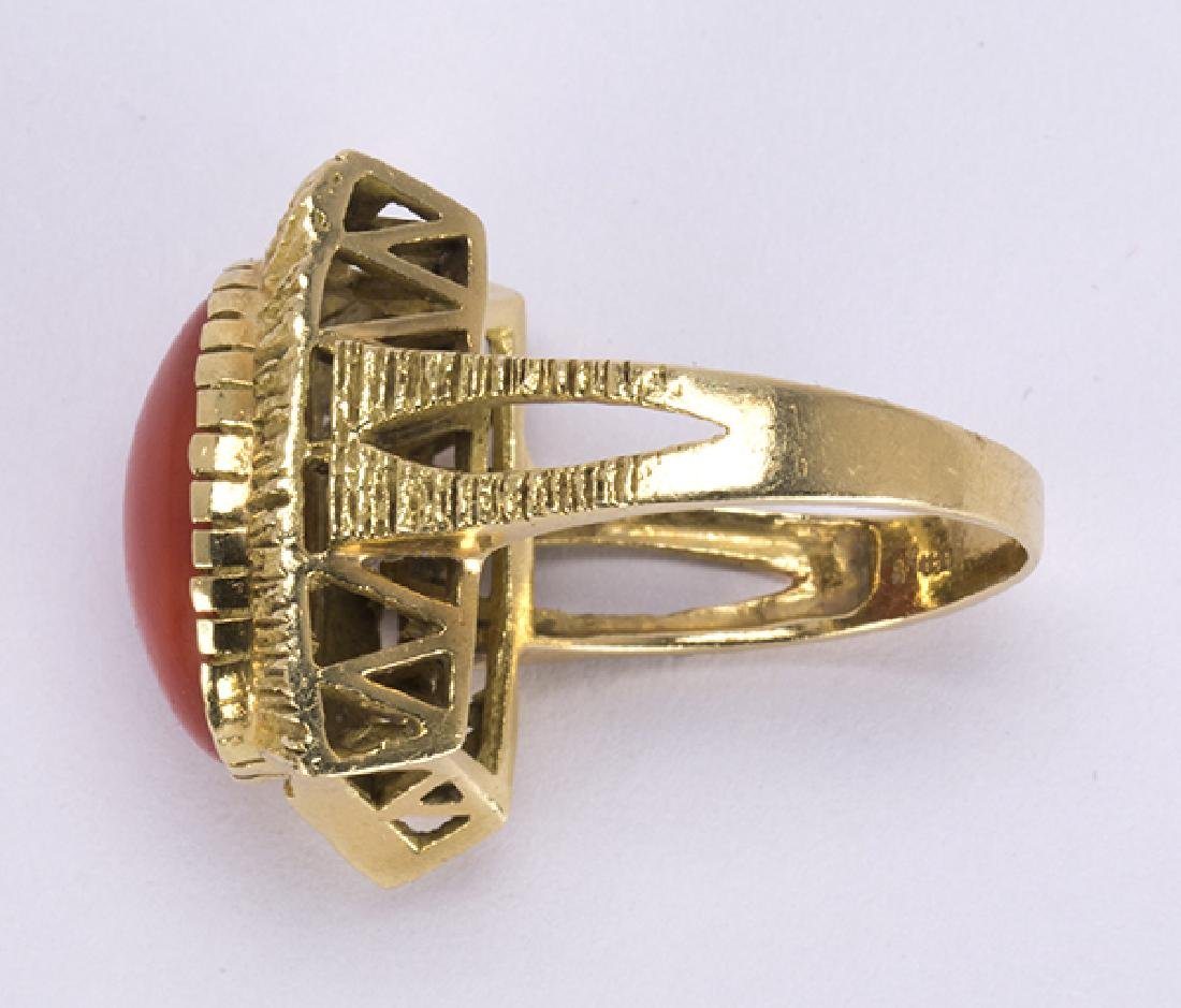 Coral and 18k yellow gold ring - 3