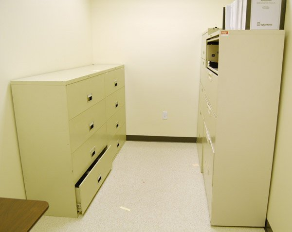 8006: Lateral filing cabinet