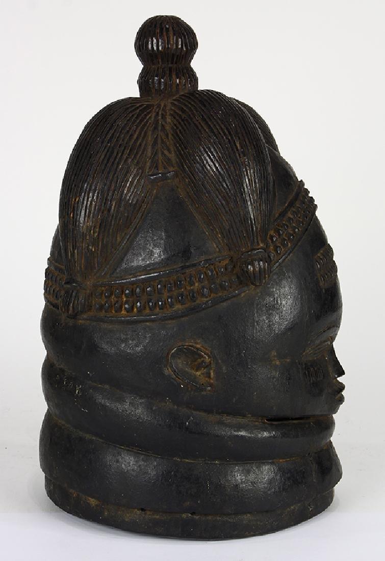 Bundu helmet mask used in dances by the Sande Society - 4