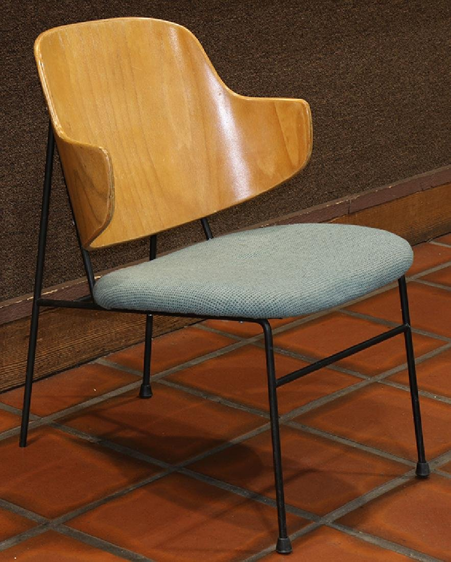 Mid-Century Modern Kofod Larsen Penguin chair, having a