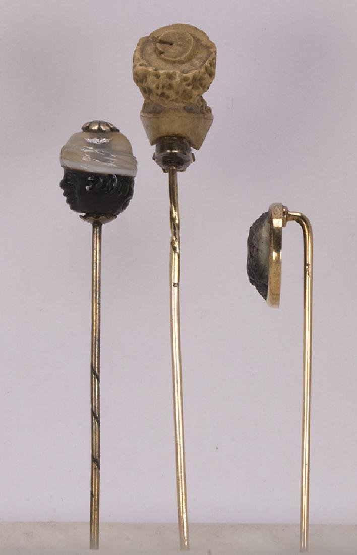 (Lot of 3) Carved multi-stone and gold stickpins - 2