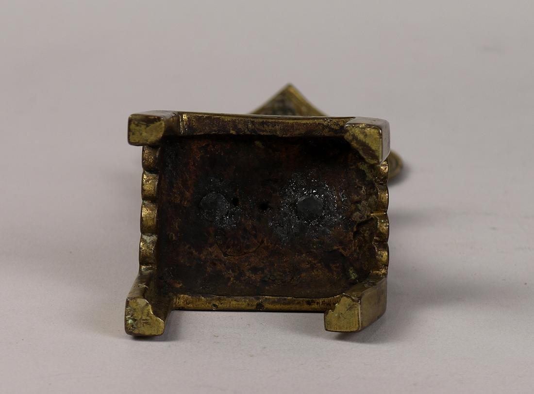 Chinese Tang-style Bronze Buddhist Figure - 6