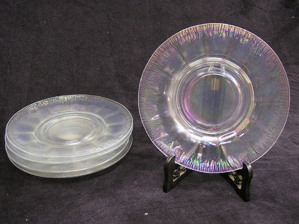 4004: Five Opalescent Glass Plates