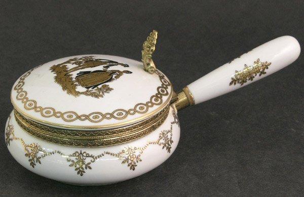 4011: Porcelain silent butler