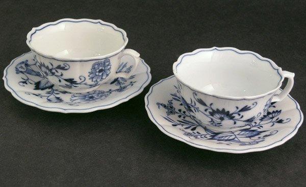 4013: Meissen blue onion teacups