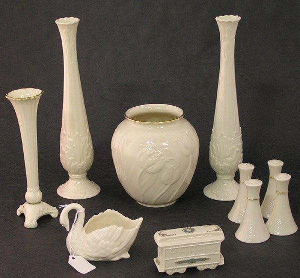 4018: Lenox vase salt pepper swan