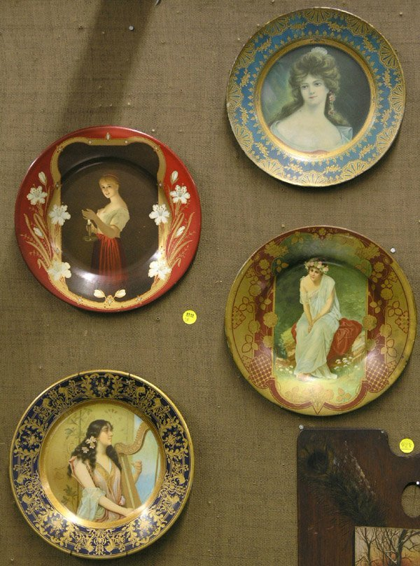4119: Victorian tin plates with lithograph