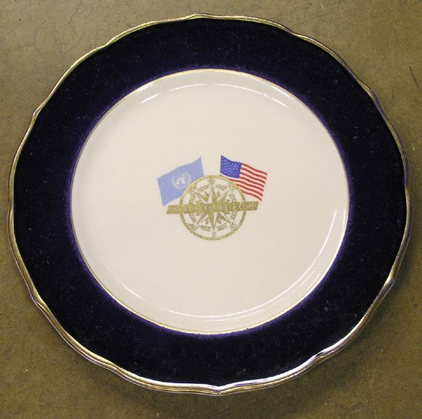6206: World Trade Club dinner plate Syracuse