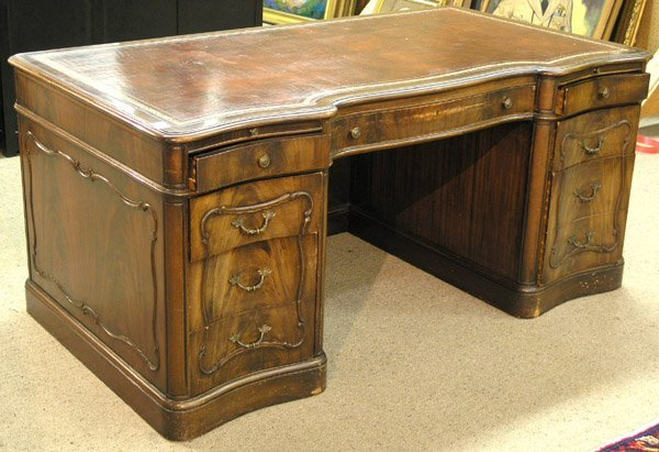 6405: Mahogany Executive Desk Leather Top