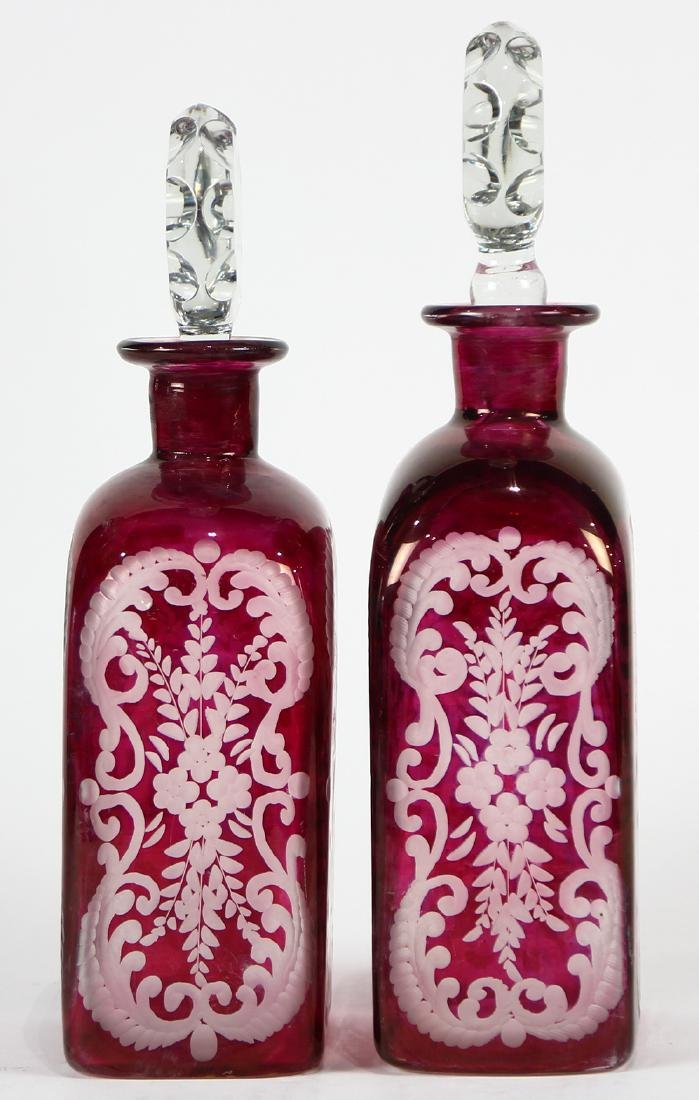 Pair of Bohemian blown glass decanters, executed in - 2