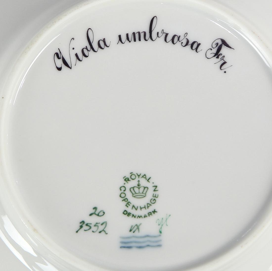 (lot of 8) Royal Copenahagen Flora Danica bread plates - 4