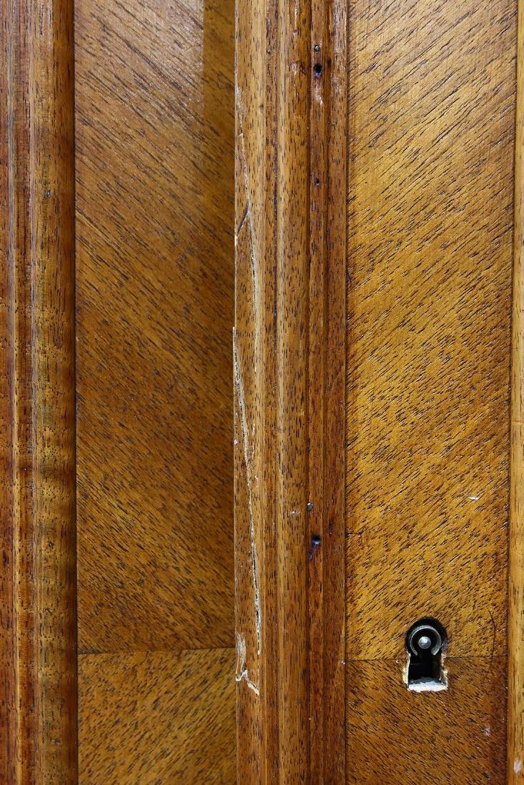 French Louis XV style linen press - 4